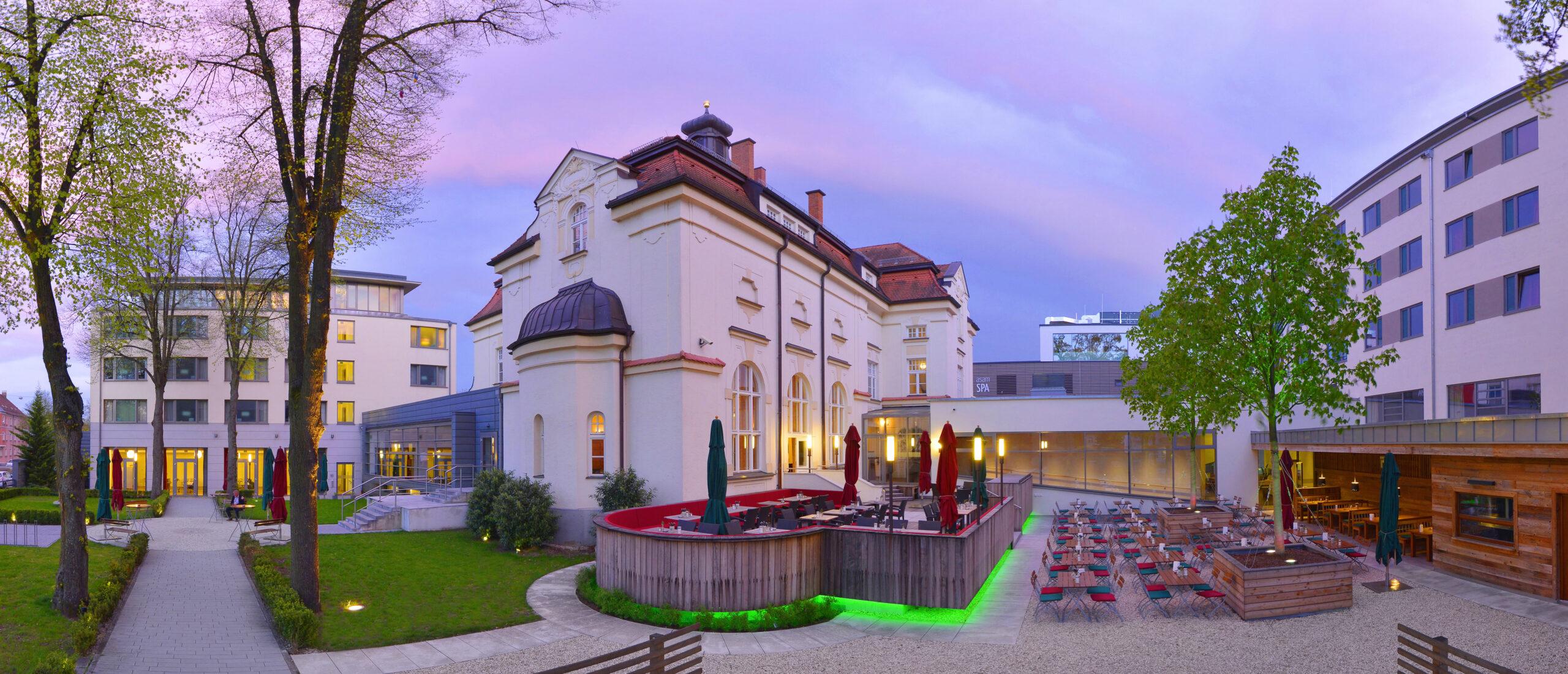 Außenbereich des Asam Hotels