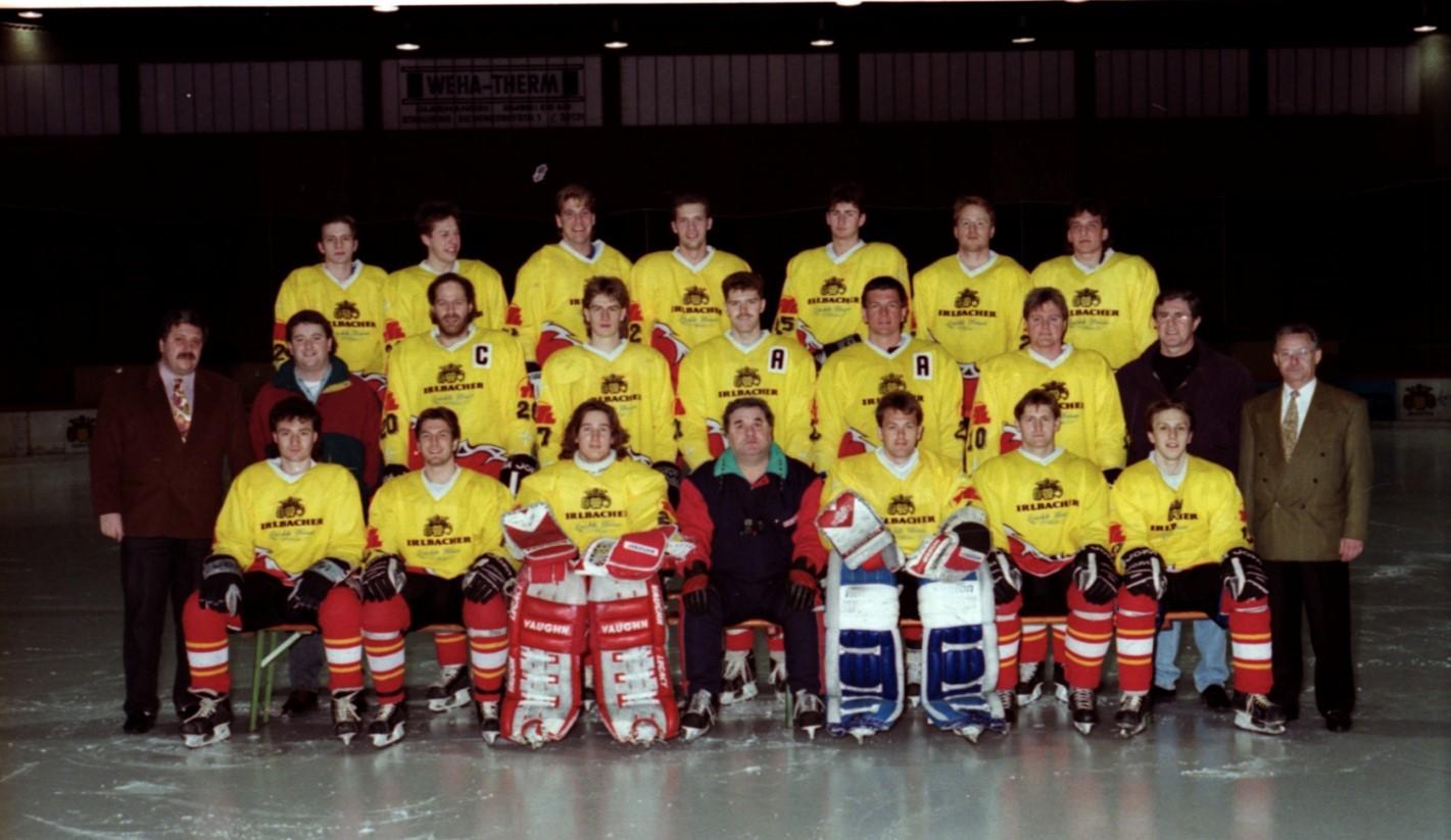Gruppenfoto mit den Spielern der Straubing Tigers von 1992